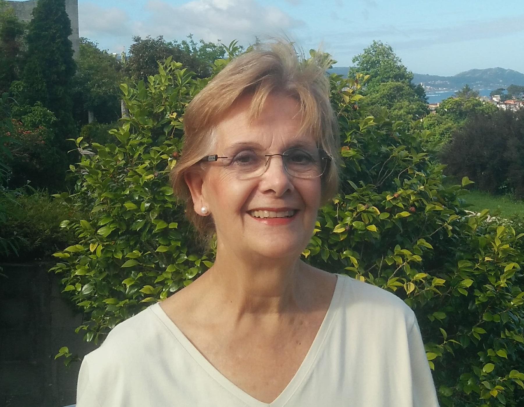Mª LUÍSA IRISARRI CASTRO